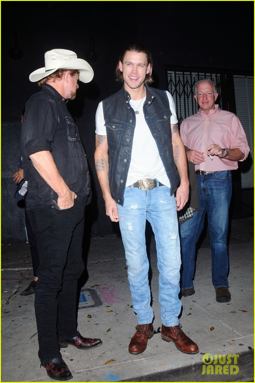 chord overstreet halloween party costumes 02