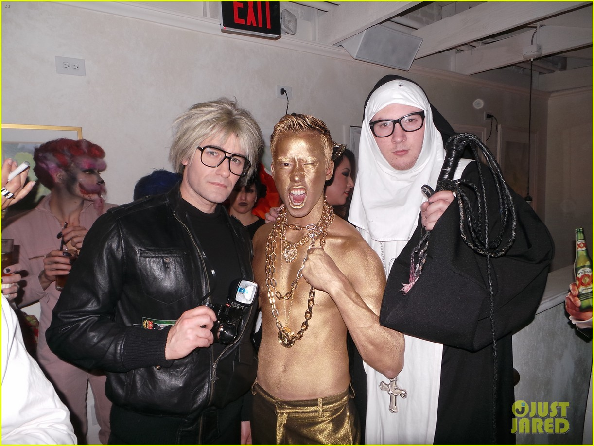 chris colfer glee matthew morrison halloween party 04