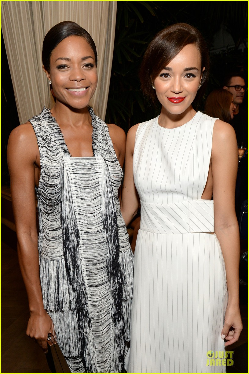 emilia clarke naomie harris elle women in hollywood celebration 182976747
