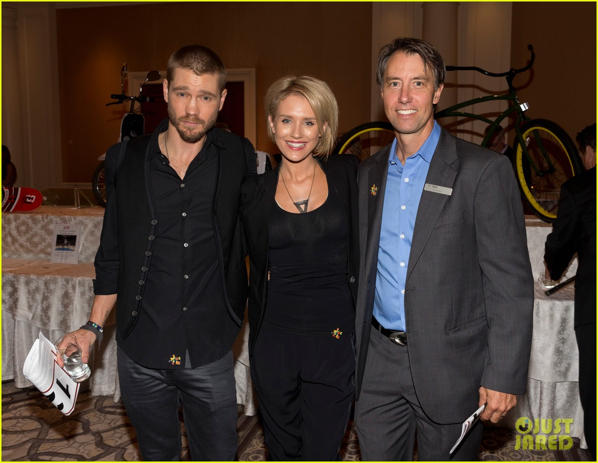 chad michael murray nicky whelan ante up for autism 032971491