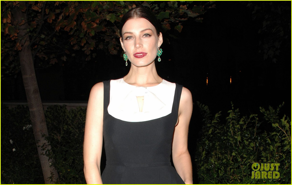 lily collins jessica pare vogue cfda fashion fund dinner 02