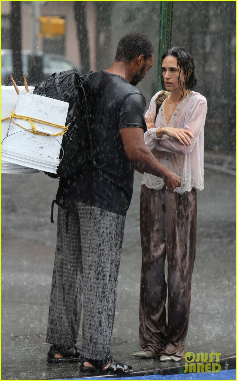 jennifer connelly braves rain for shelter stunt work 04