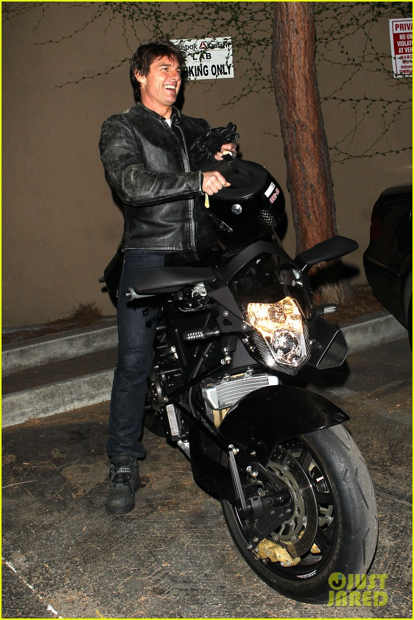 tom cruise rides motorcycle for lucas on sunset dinner outing 012973530
