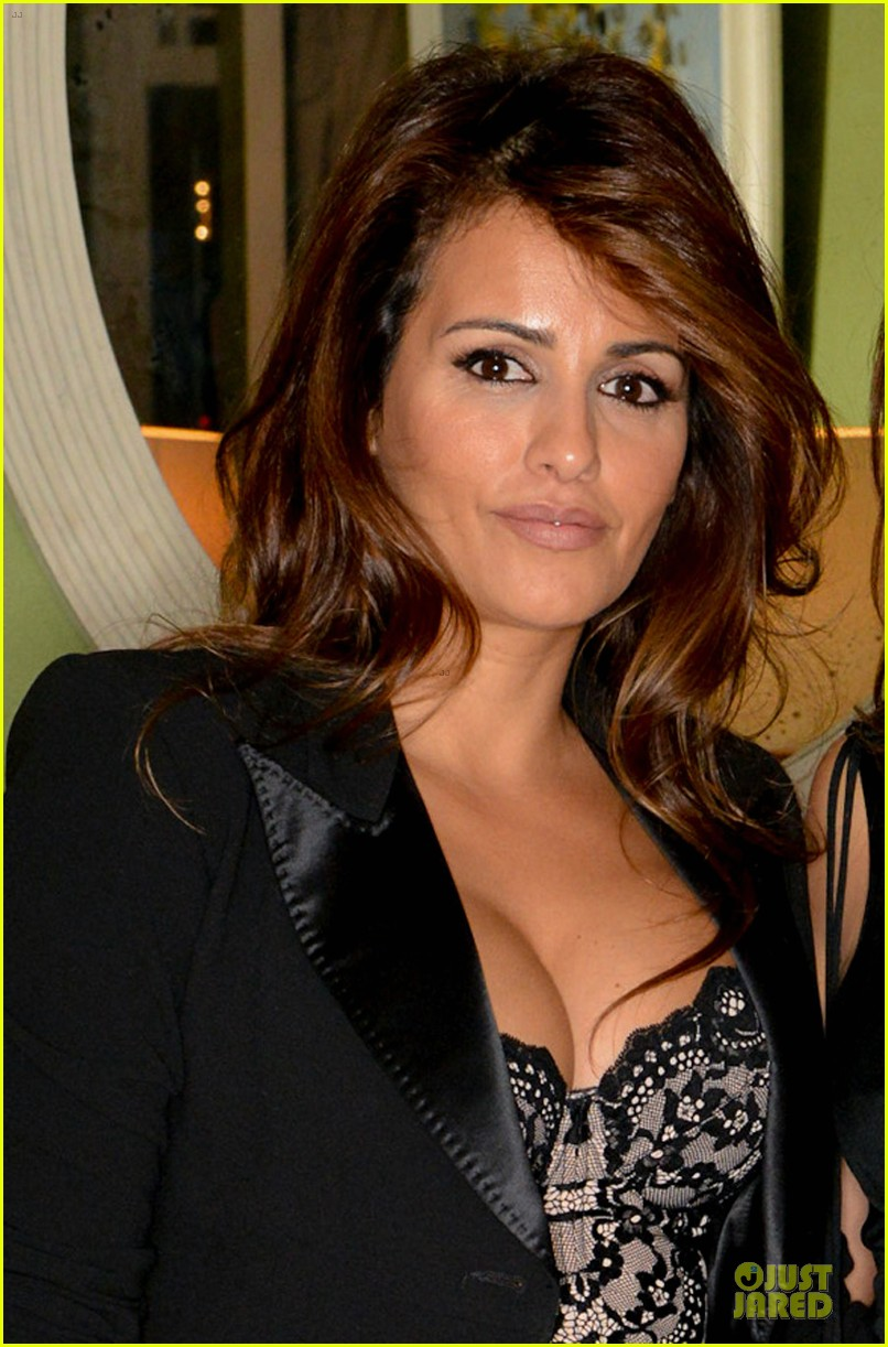 penelope cruz lagent by agent provocateur dinner with sis monica 052969416