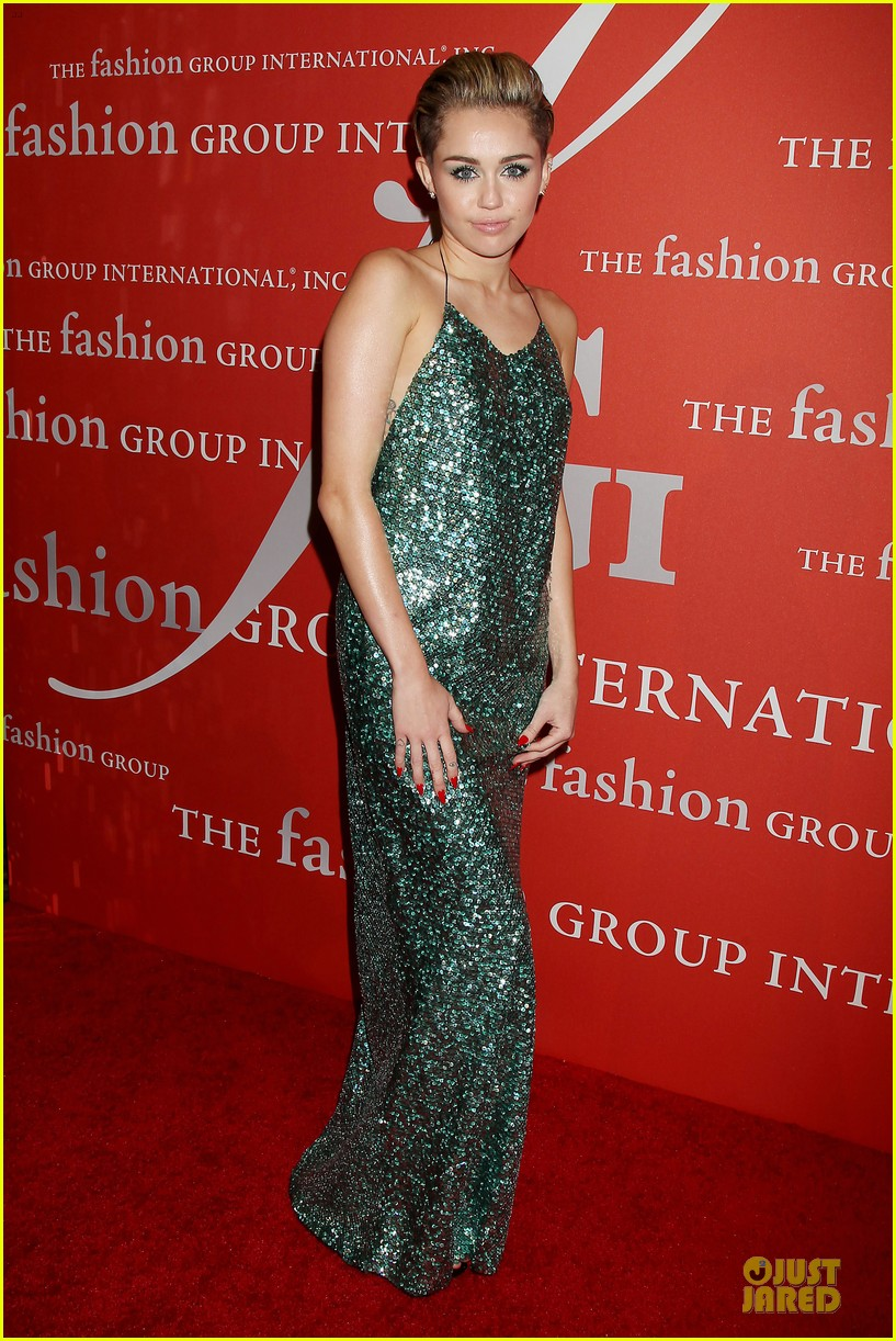 miley cyrus dazzles the night of stars gala 2013 07