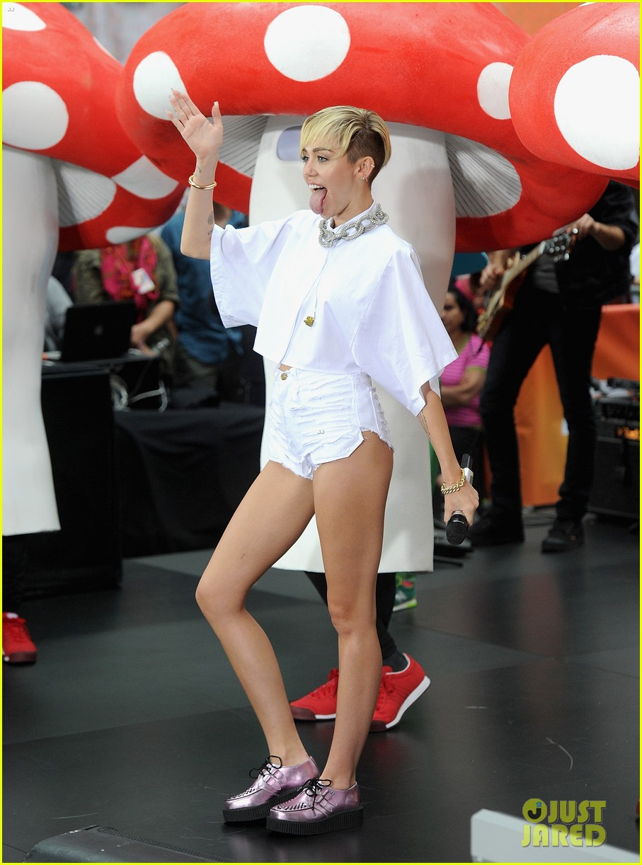 miley cyrus today show performance videos pics 08