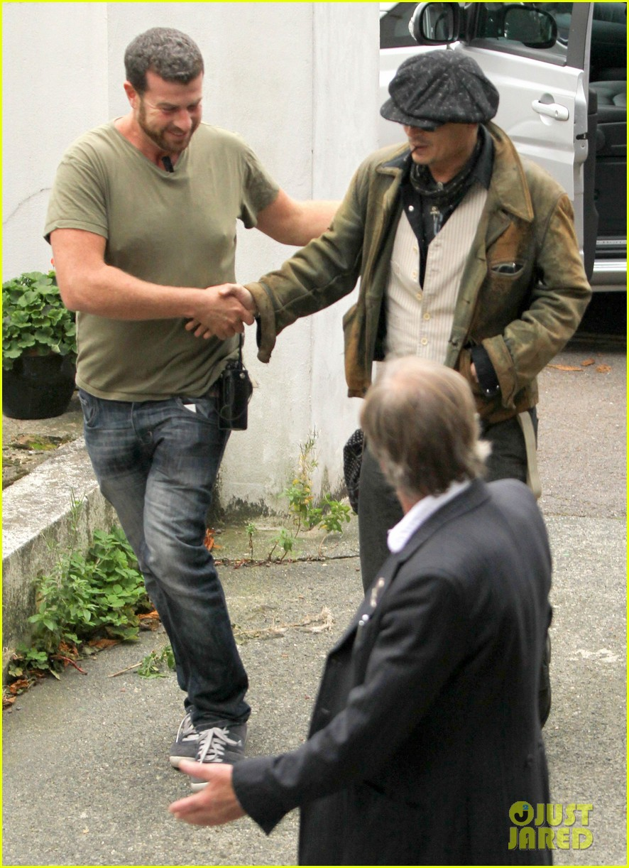 johnny depp sells fox comedy pilot 052963919