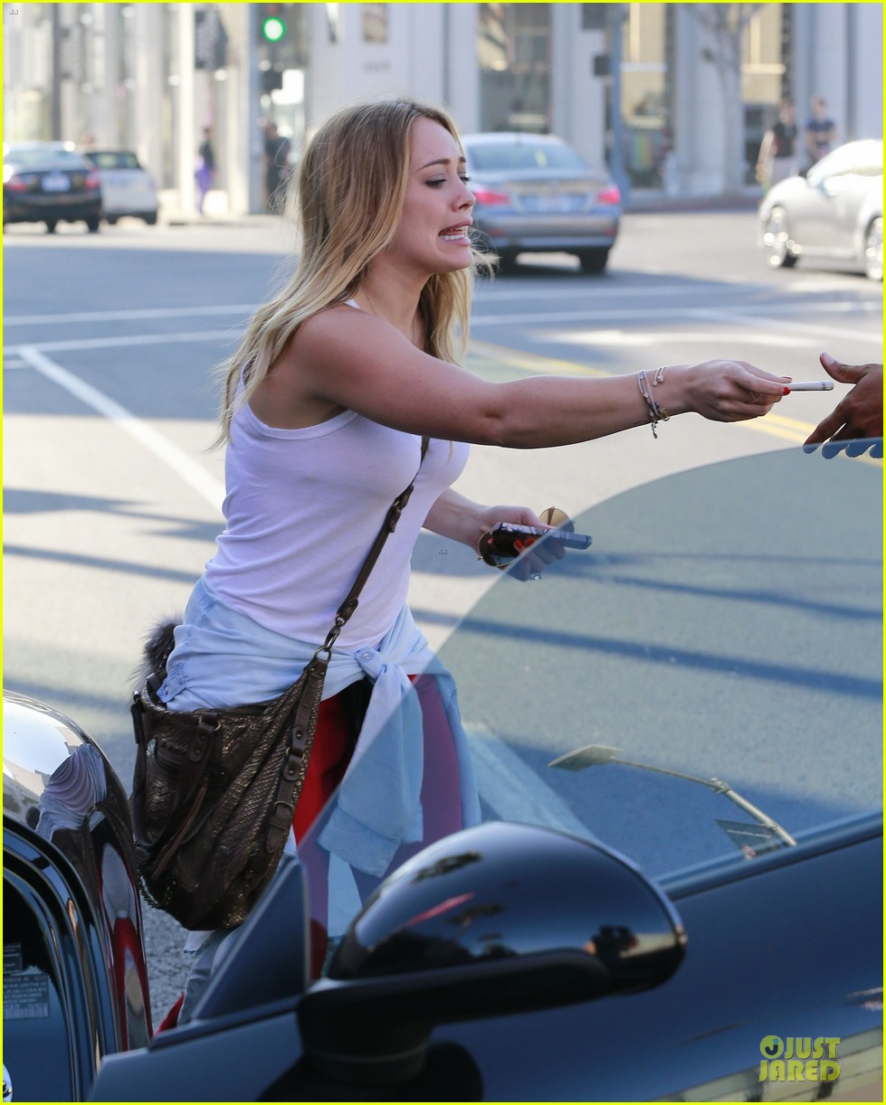 hilary duff mike comrie separate beverly hills outings 17