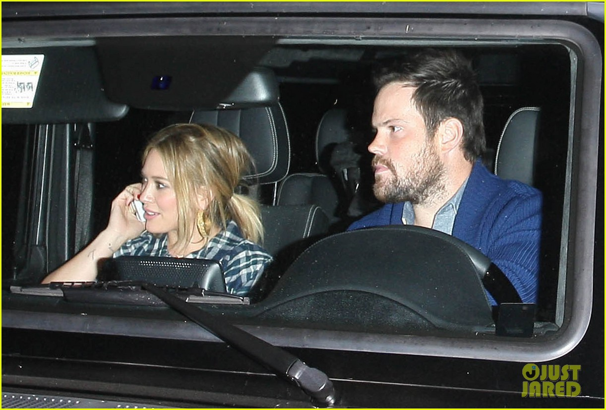 hilary duff mike comrie john mayer concert couple 02