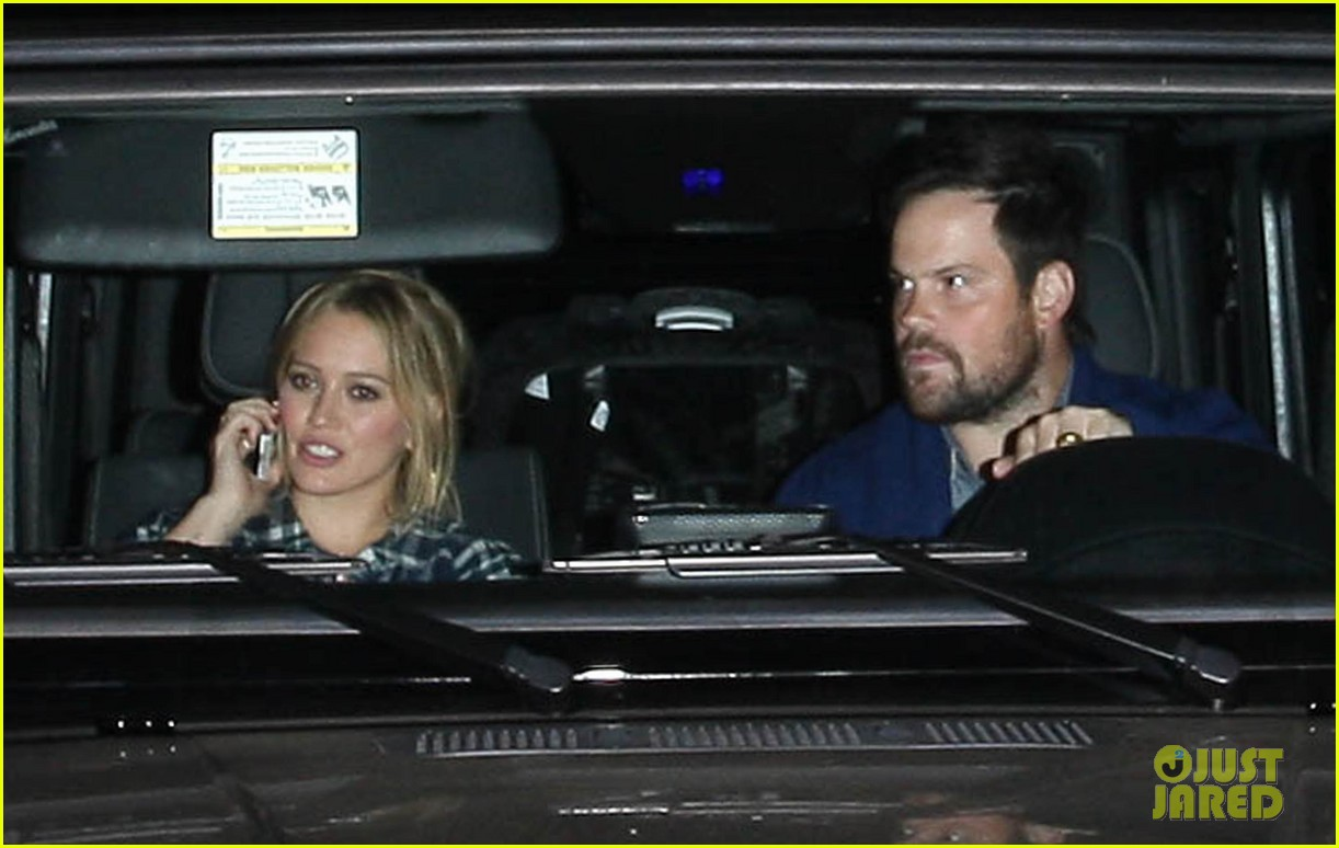hilary duff mike comrie john mayer concert couple 152967380