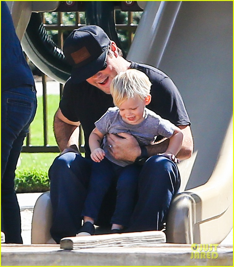 hilary duff mike comrie slides with luca 02