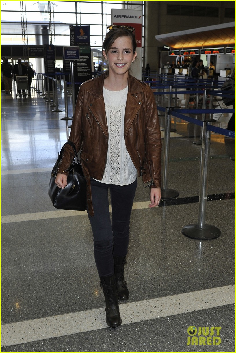 emma watson flies out of los angeles 072977925