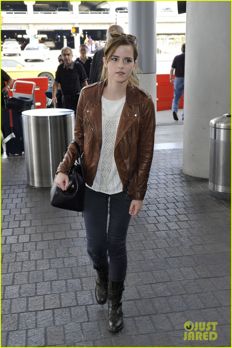 emma watson flies out of los angeles 092977927