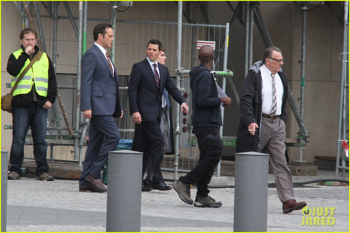 dave franco business trip set with james marsden 02