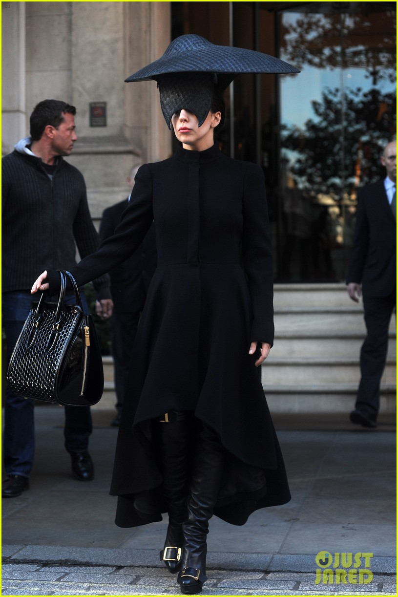 lady gaga steps out in london after puppy alice dies 04