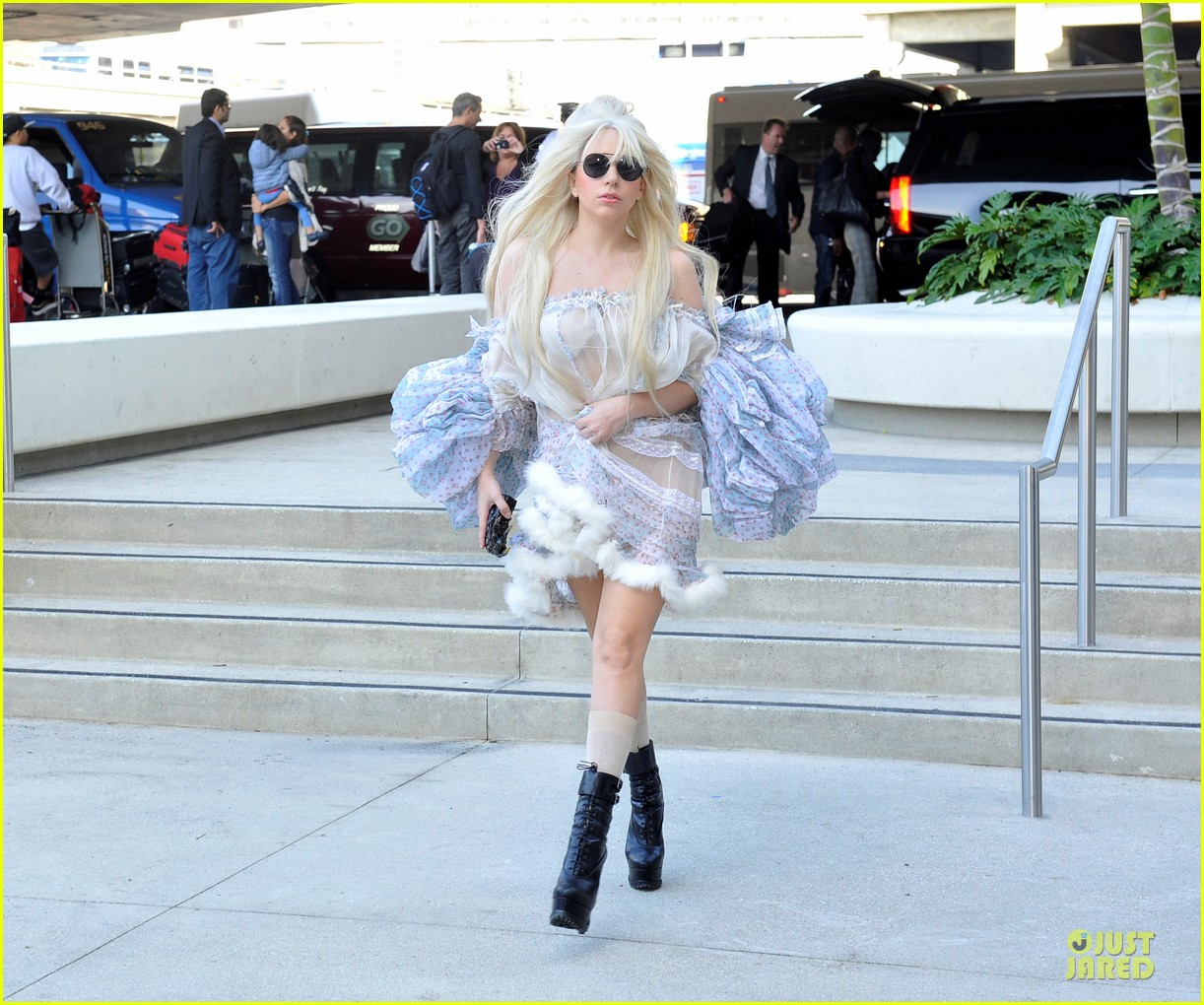 lady gaga berlin take off for artpop listening party 03
