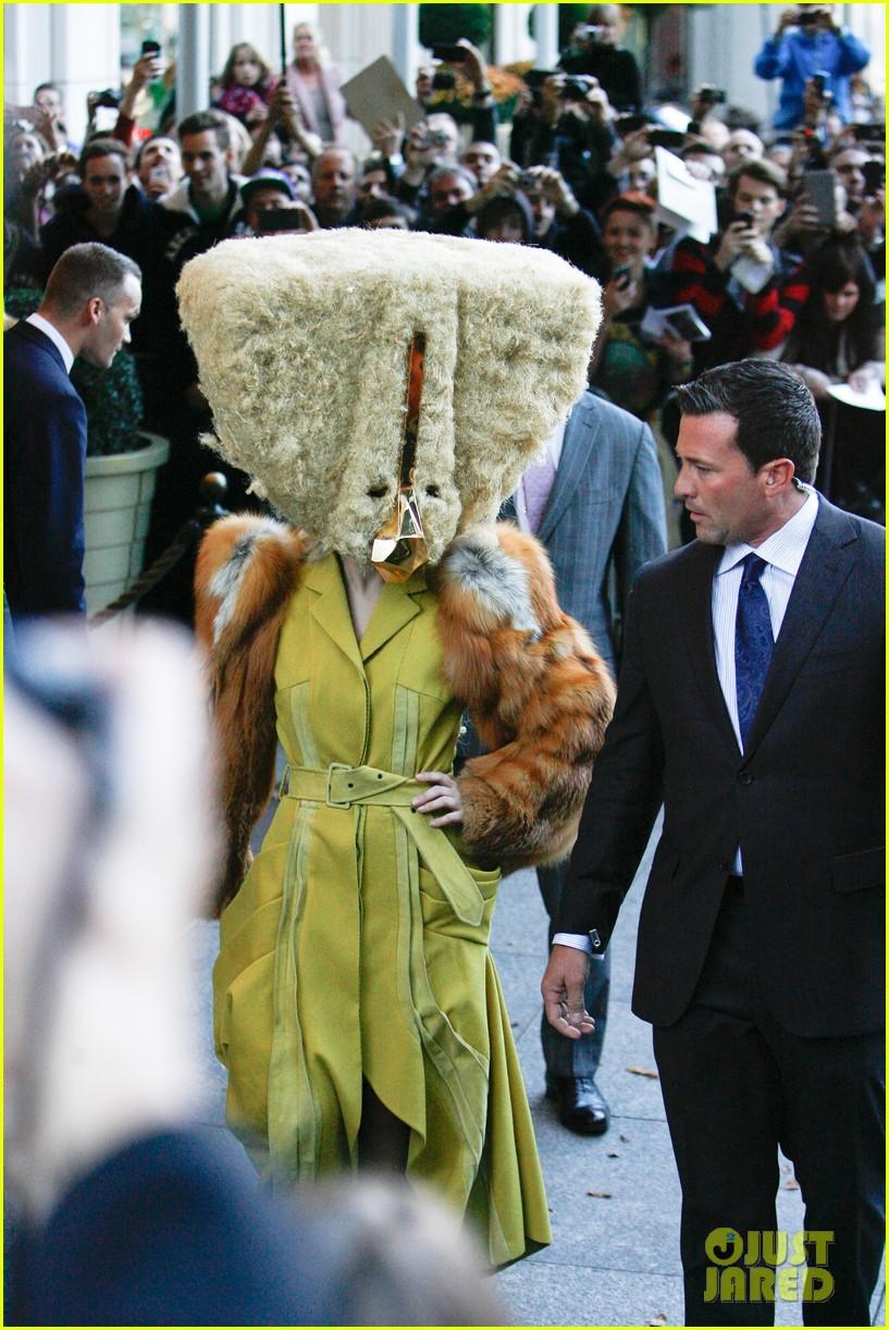 lady gaga wears furry headpeice for artpop promo 01