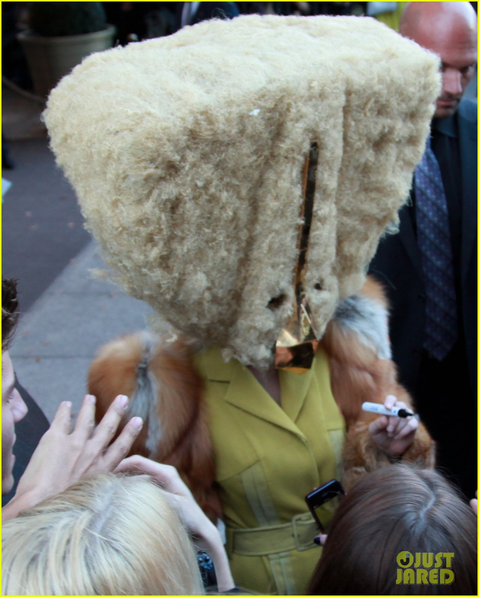 lady gaga wears furry headpeice for artpop promo 042978416