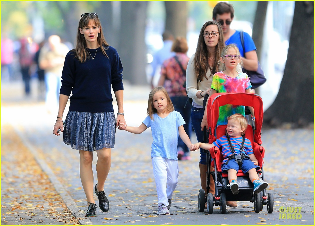 jennifer garner talks paparazzi bill impact on kids daily life 05