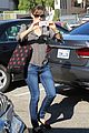 jennifer garner turns the camera on photographers 10