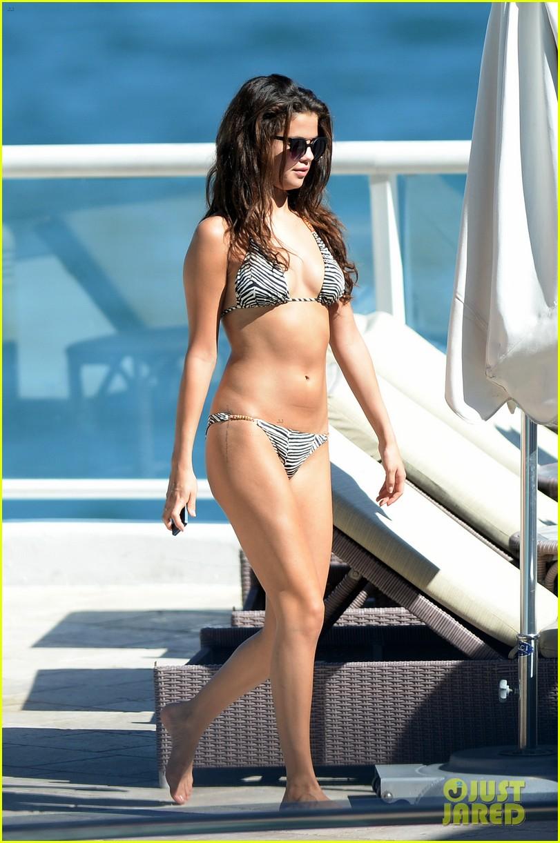 selena gomez bikini beach babe in miami 18