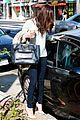 selena gomez grabs coffee with mom mandy 13