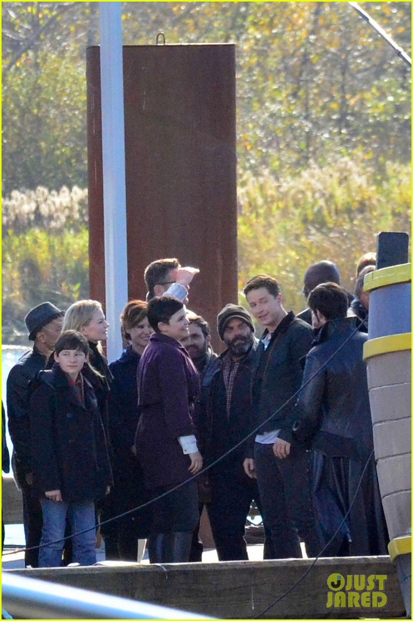 ginnifer goodwin josh dallas share sweet kiss on once set 072983124