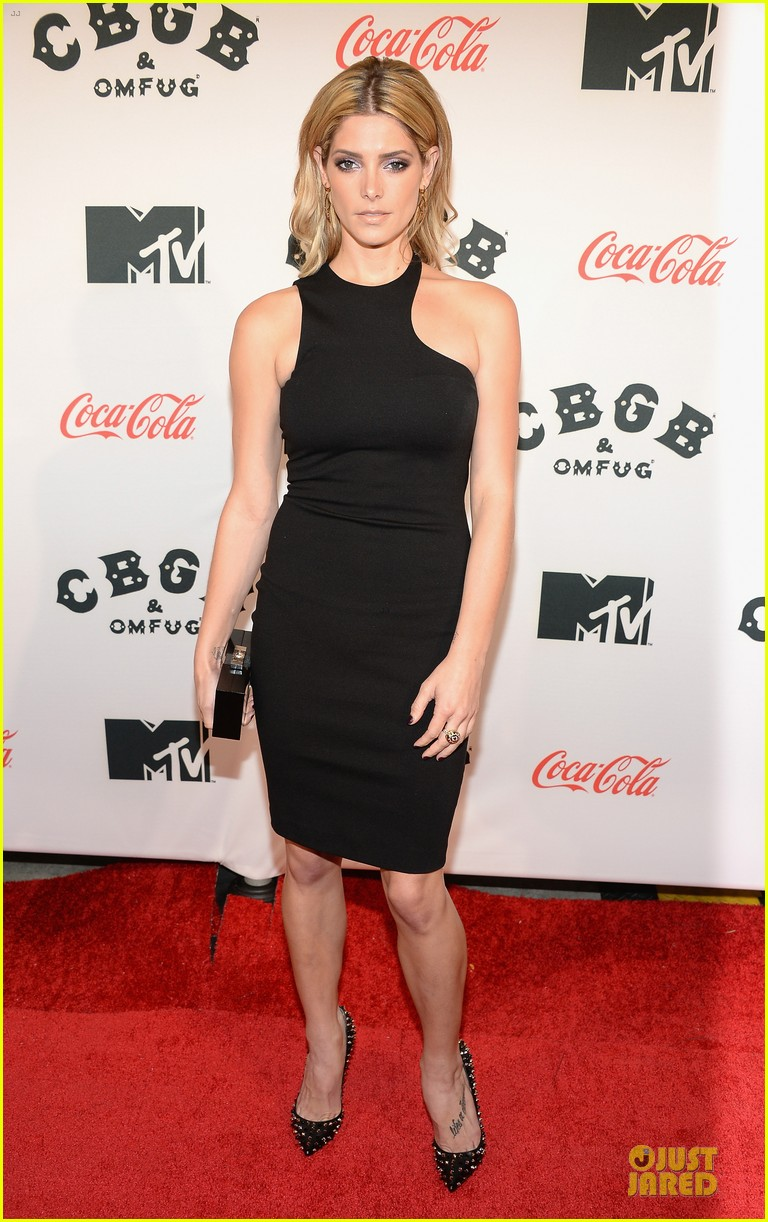 ashley greene stana katic cbgb nyc premiere 17