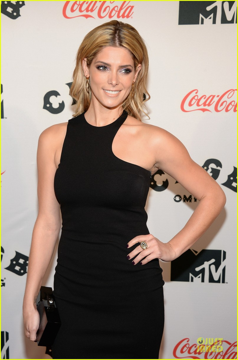 ashley greene stana katic cbgb nyc premiere 19