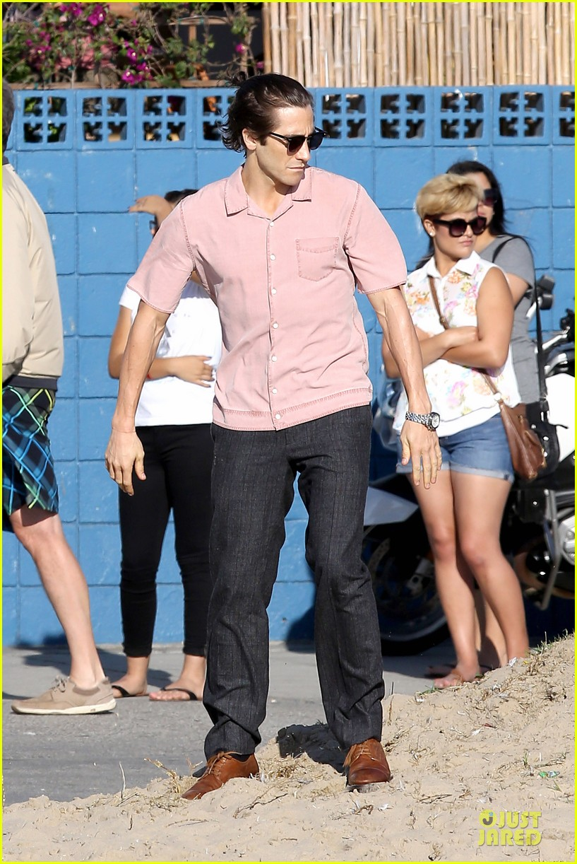 jake gyllenhaal has a gift for cooking sis maggie raves 052972104