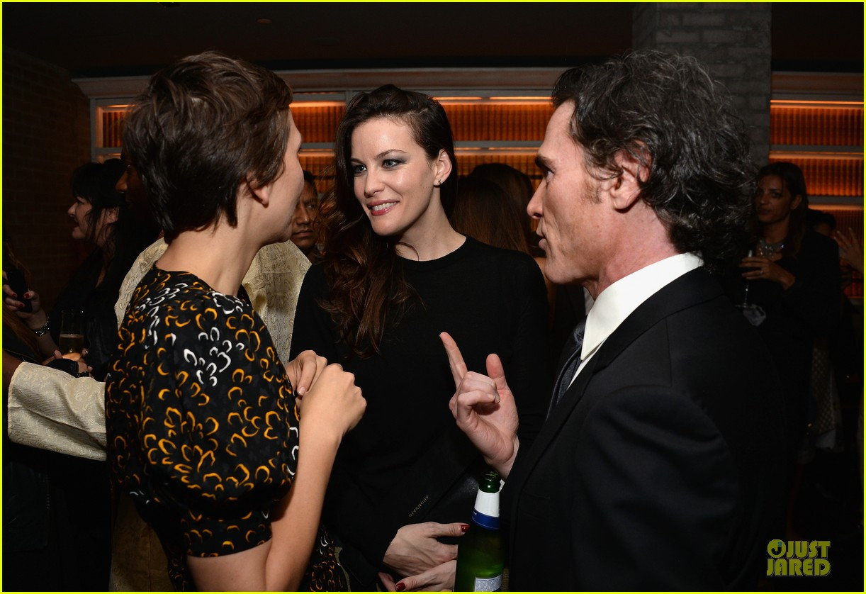 maggie gyllenhaal liv tyler the lunchbox fund fall fete 12