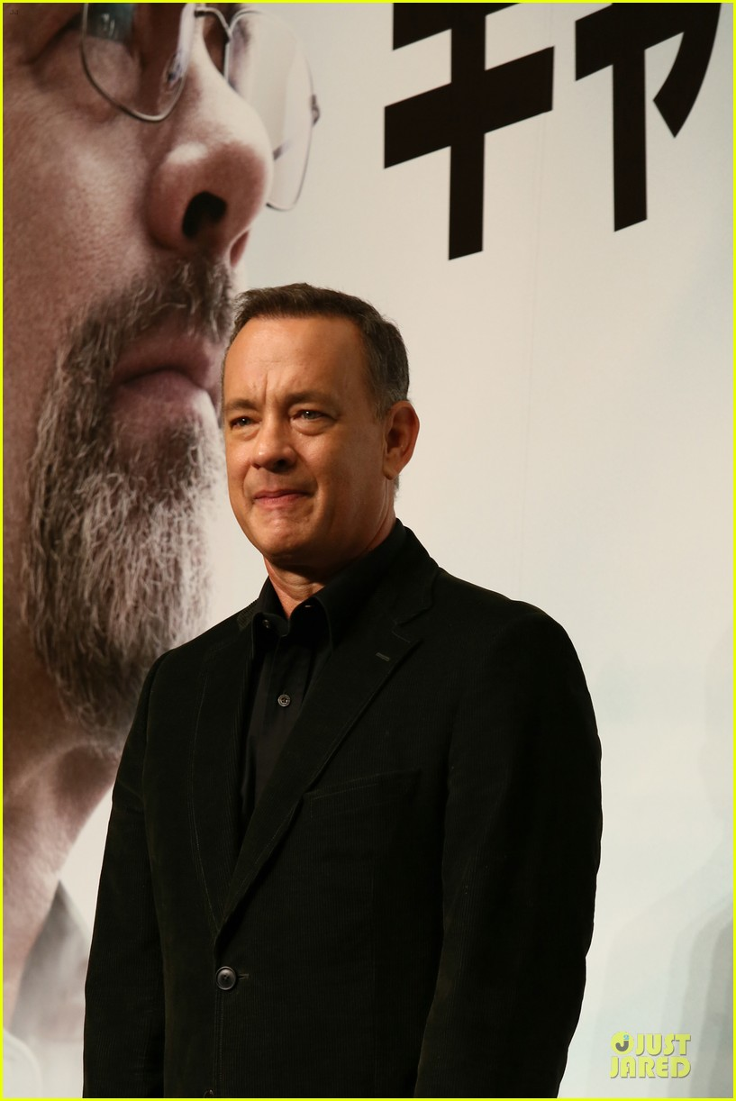 tom hanks captain phillips tokyo press conference 08