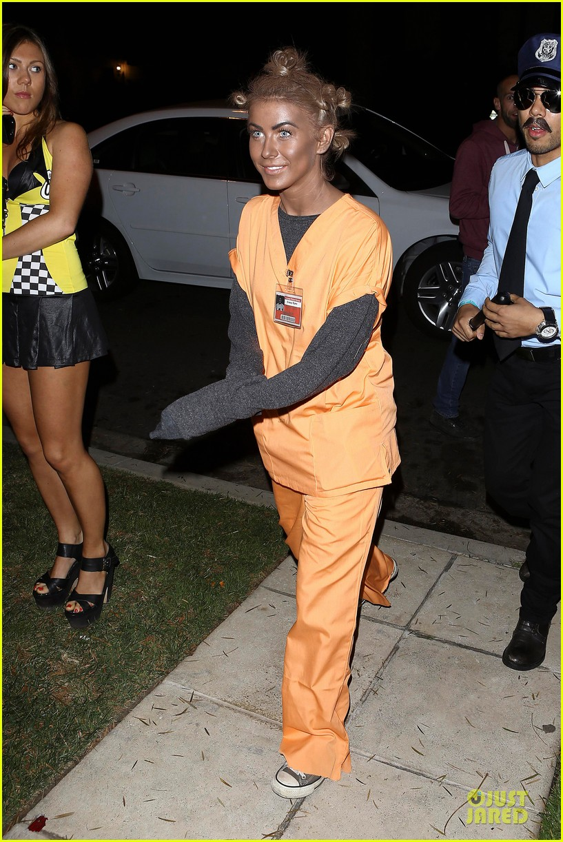 julianne hough crazy eyes orange is the new black halloween costume 03