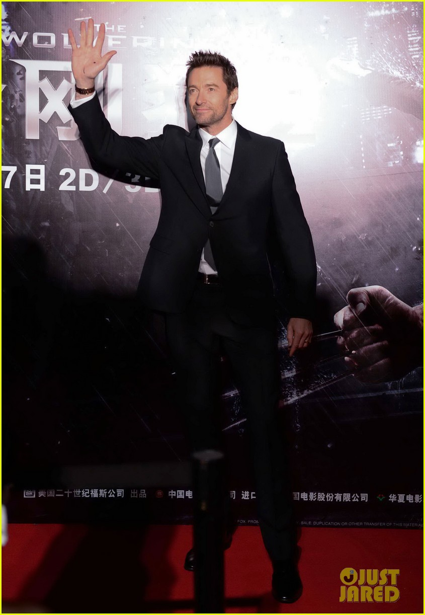 hugh jackman premieres the wolverine in china 10