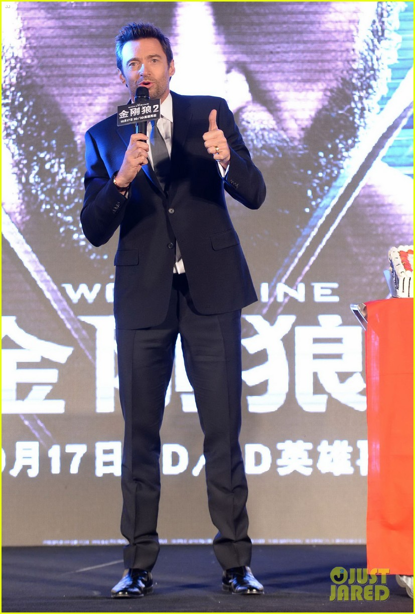 hugh jackman premieres the wolverine in china 15