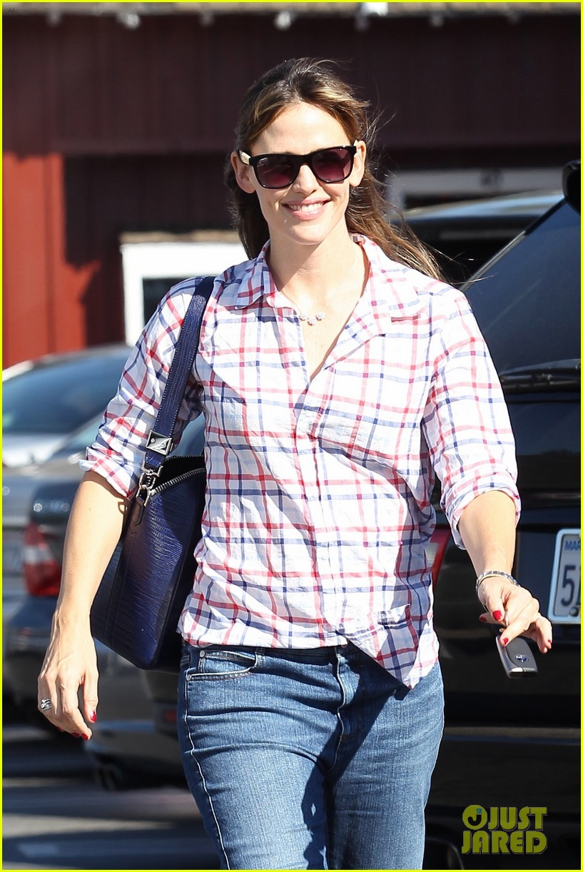 jennifer garner brentwood birthday party with seraphina 022975814