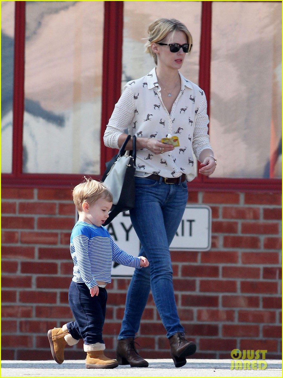 january jones gets in quality time with her son xander 08