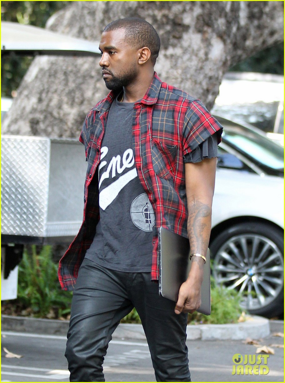 kanye west steps out after kim kardashian engagement 03