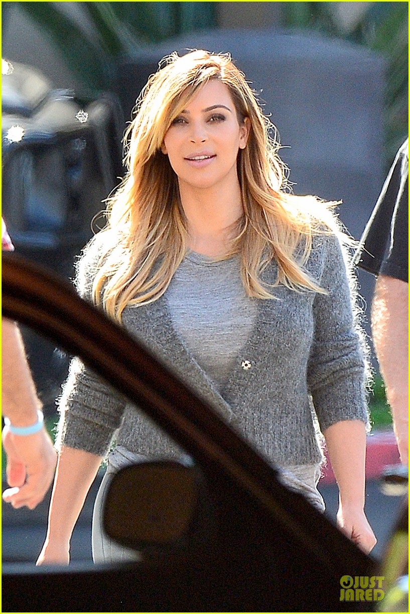 kim kardashian happy meeting with kourtney khloe 252968567