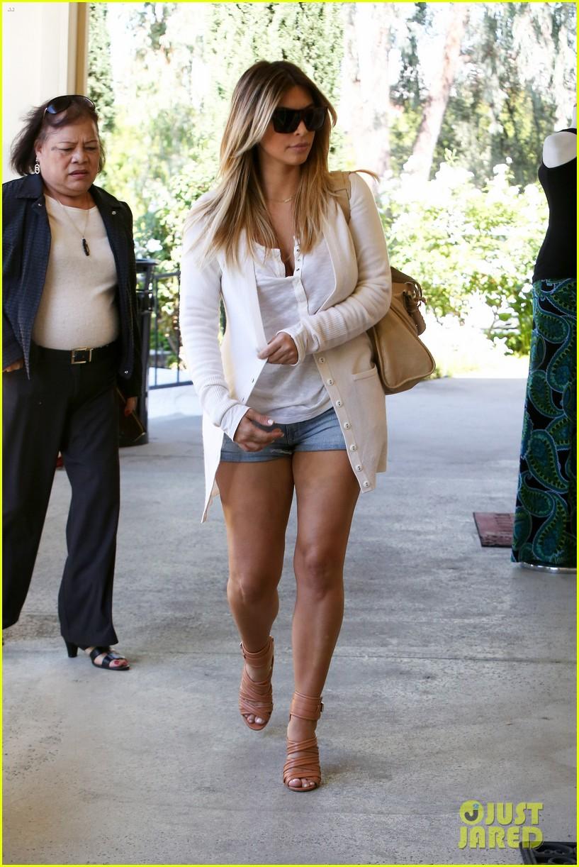 Kim Kardashian Steps Out in Short Shorts After Posting ...