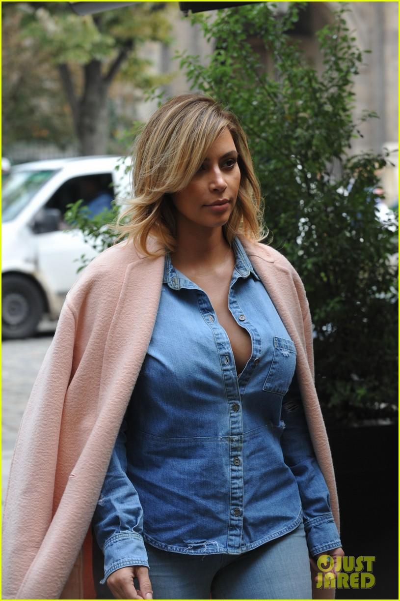 Custom Clothing Designs   Full Sized Photo Of Kim Kardashian Receives Custom Designer Clothes