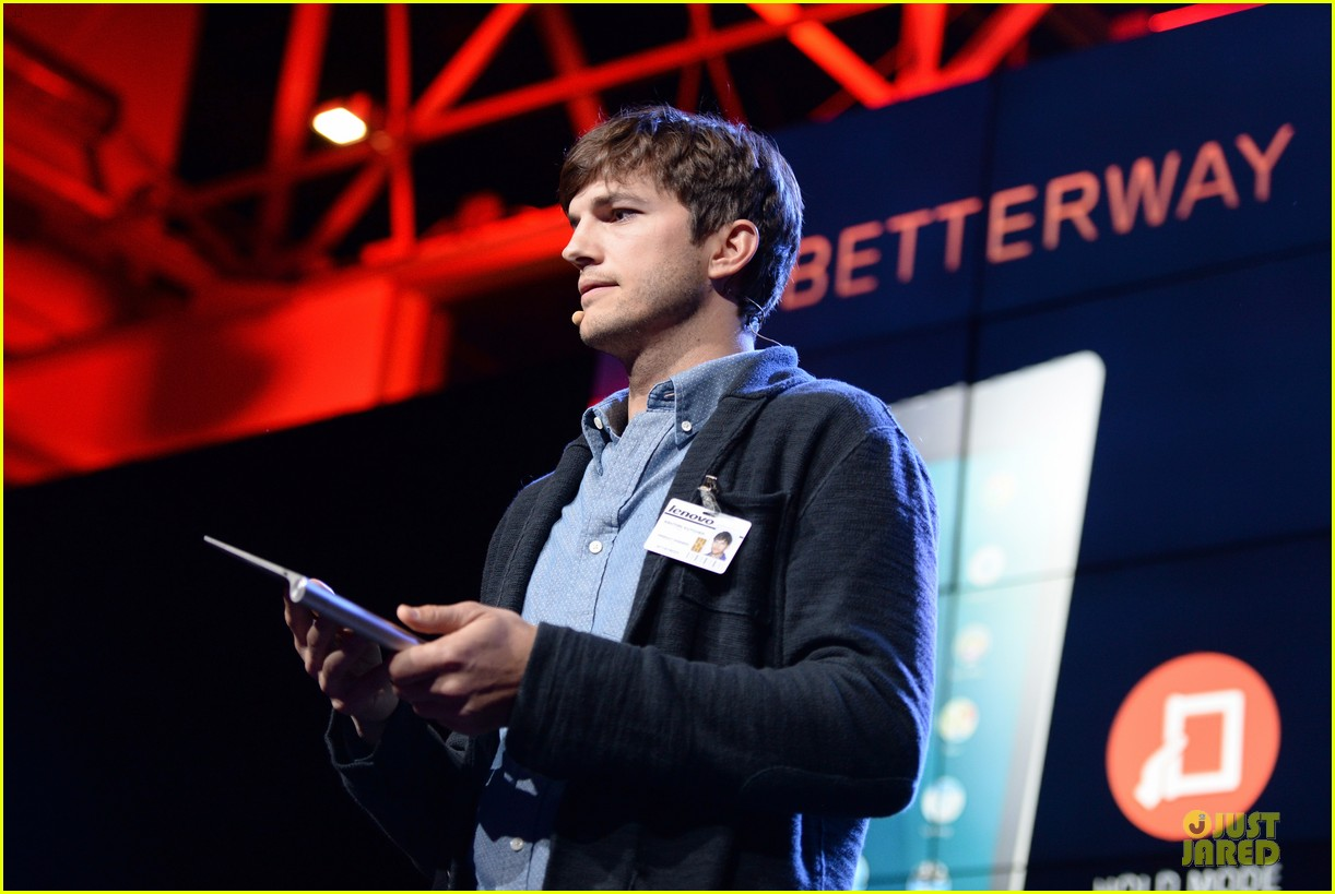 ashton kutcher lenovo product engineer at yoga tablet launch 15