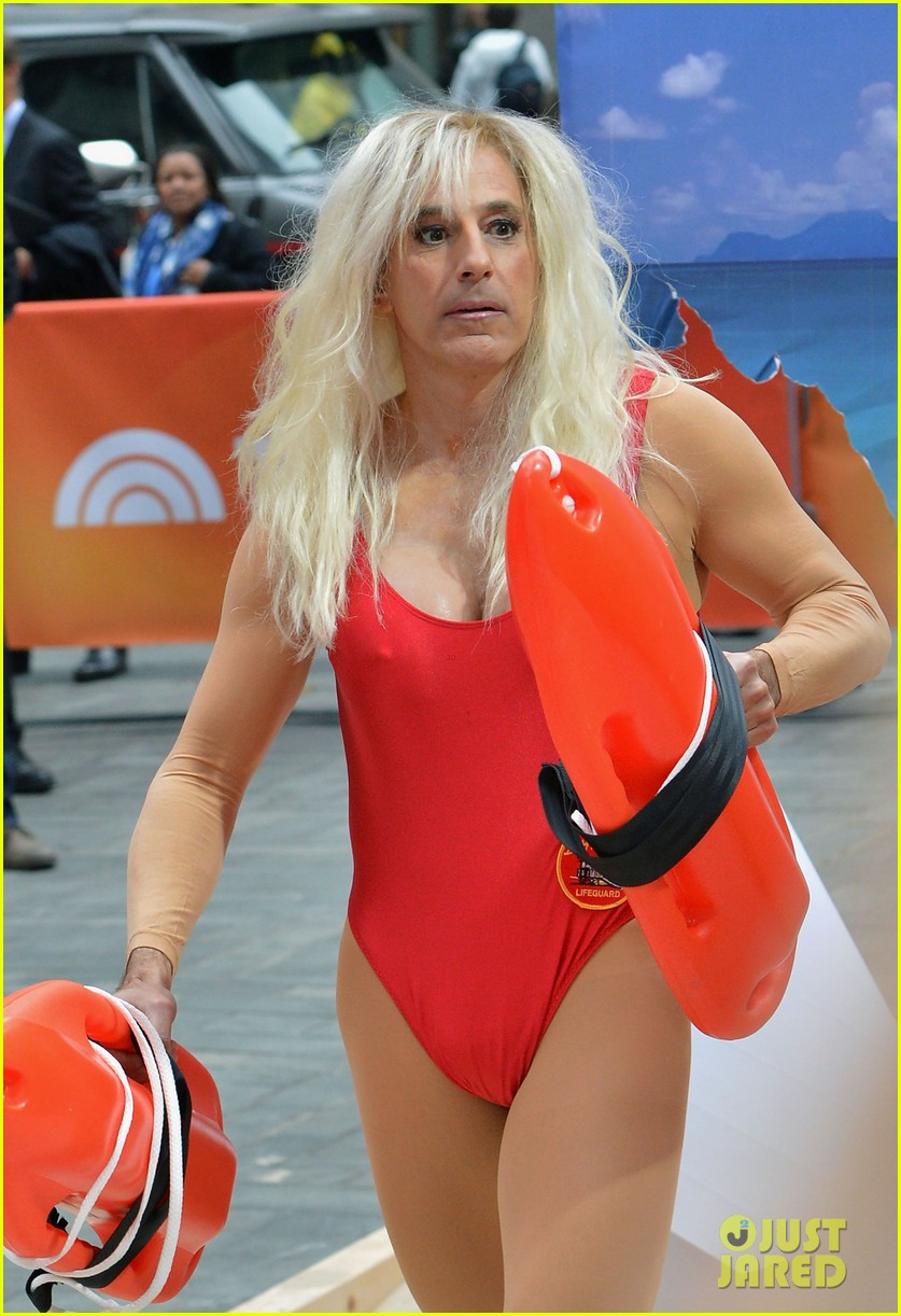 matt lauers pamela anderson baywatch halloween costume 06  sc 1 st  Just Jared & Full Sized Photo of matt lauers pamela anderson baywatch halloween ...
