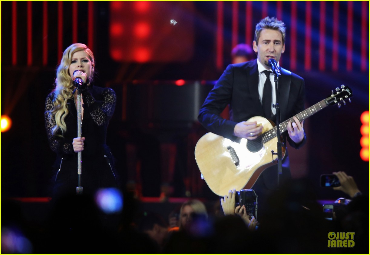 avril lavigne chad kroeger we day couple in vancouver 08