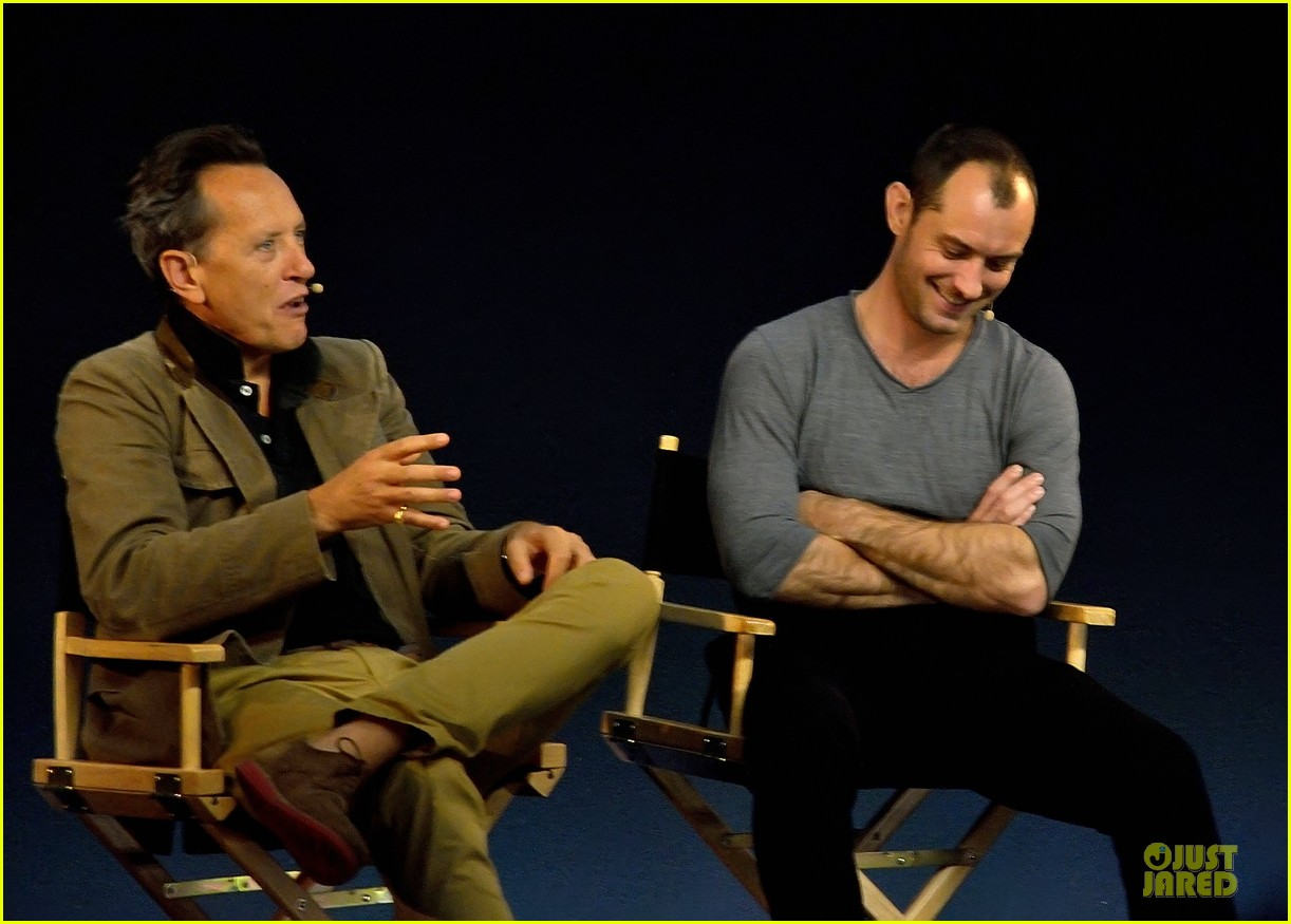 jude law richard e grant dom hemingway promo at apple 02
