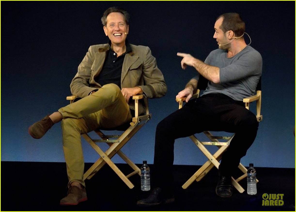 jude law richard e grant dom hemingway promo at apple 032969202