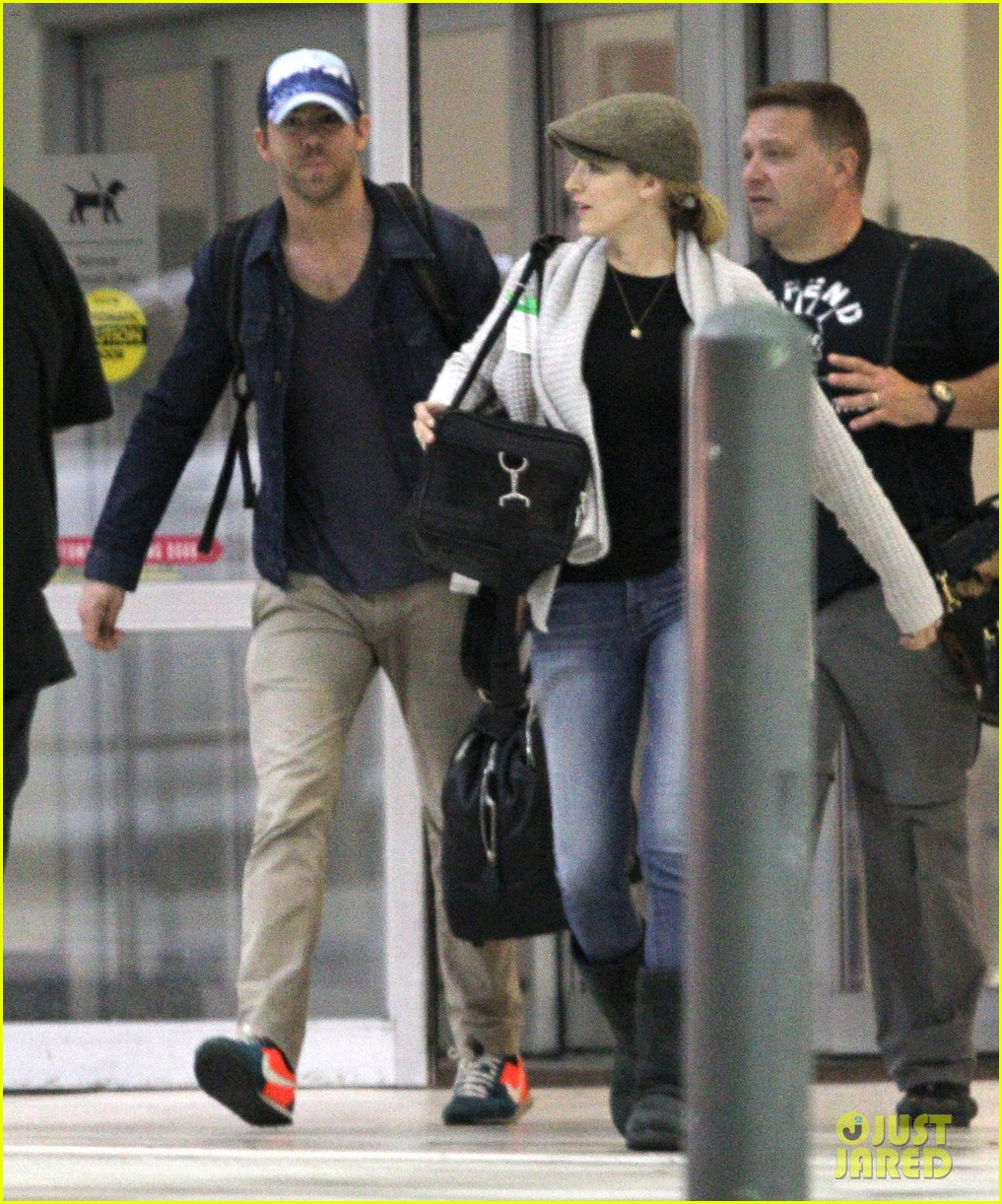 blake lively ryan reynolds touch down in new orleans 11