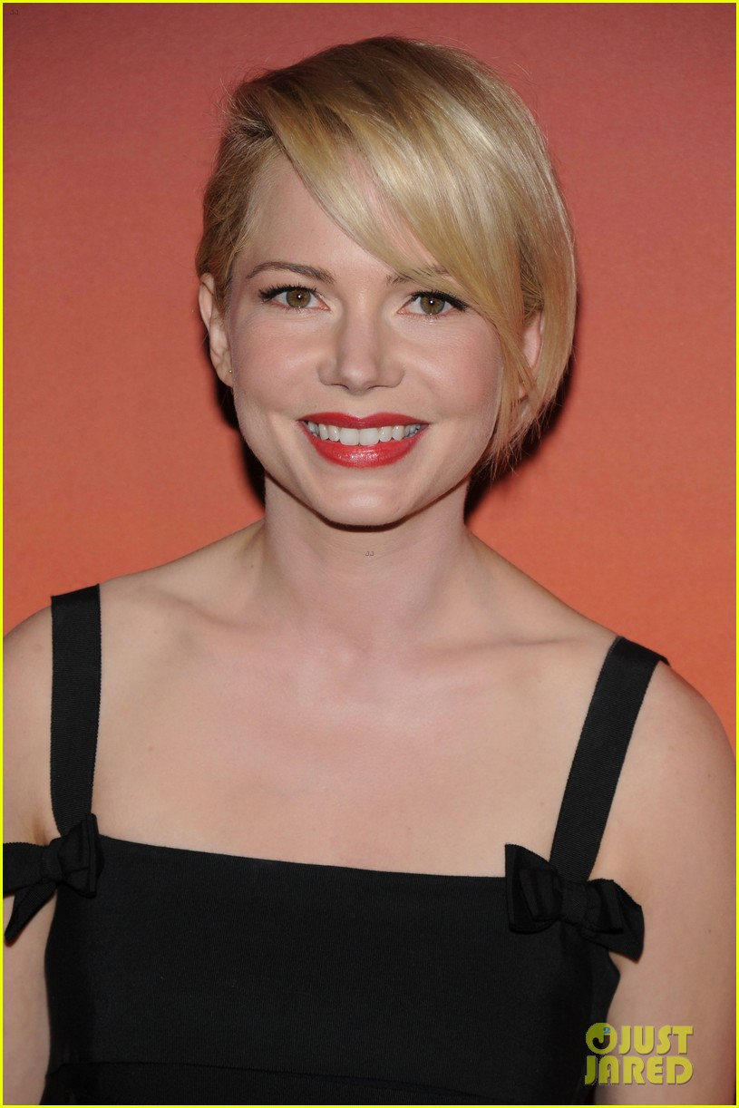 michelle williams dianna agron whitney museum gala 2013 04
