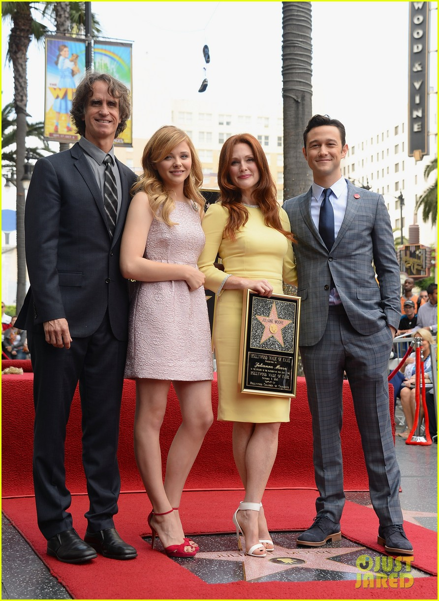 julianne moore hollywood walk of fame ceremony 032965322