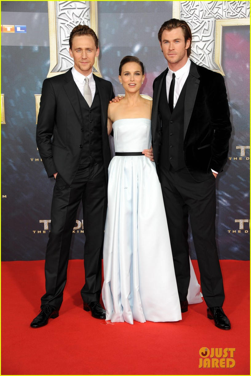 natalie portman chris hemsworth thor berlin premiere 202981294